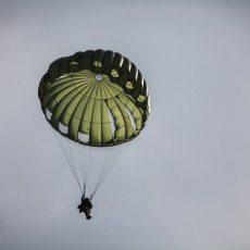 Slovakian Entrepreneur Štefan Klein Crashes Car, Parachutes to Safety
