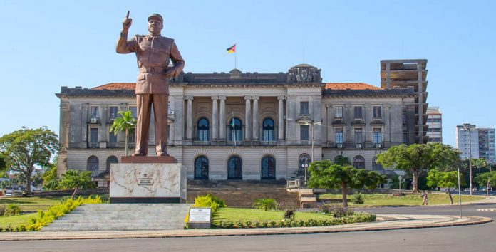Want To Be A Millionaire?  Move to Mozambique. 6