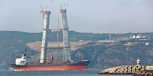 A view of construction at İstanbul's third bridge, which will cost an estimated $6 billion.