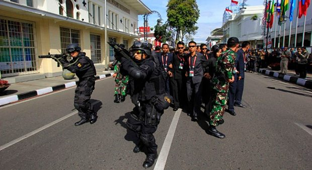 Why Indonesian Security Forces Are Now Watching ISIS in Widodo's Hometown 3