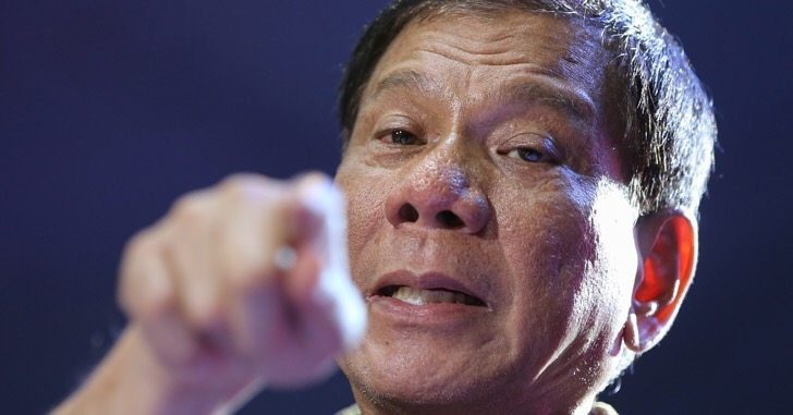 Philippines' Duterte tells Obama he never cursed him