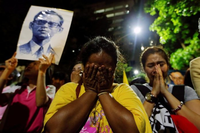Thai People Mourn Loss of Their King 3