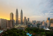 Malaysia Struggles To Win Foreign Money Even As Inflows Into Emerging Markets Hit 2006 Peaks 3